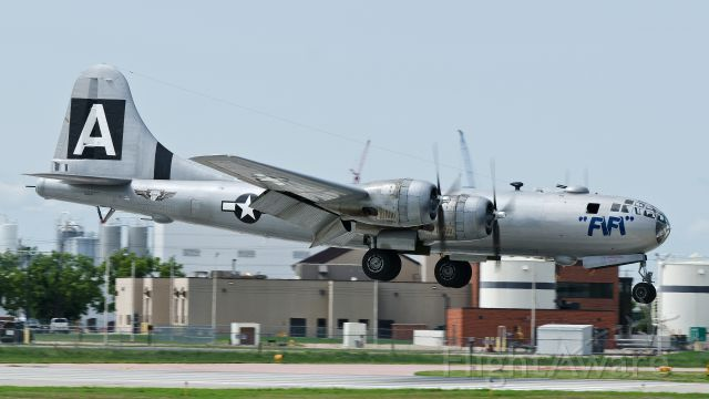 Boeing B-29 Superfortress (NX529B) - FiFi Arriving runway 33 for CAF Tour Visit August 12, 2013