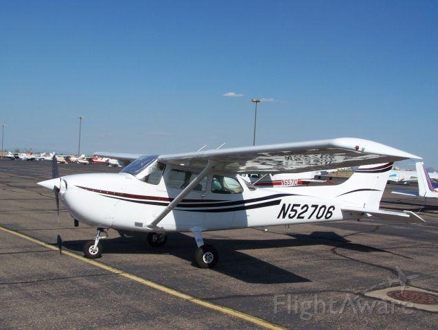 Cessna Skyhawk (N52706)