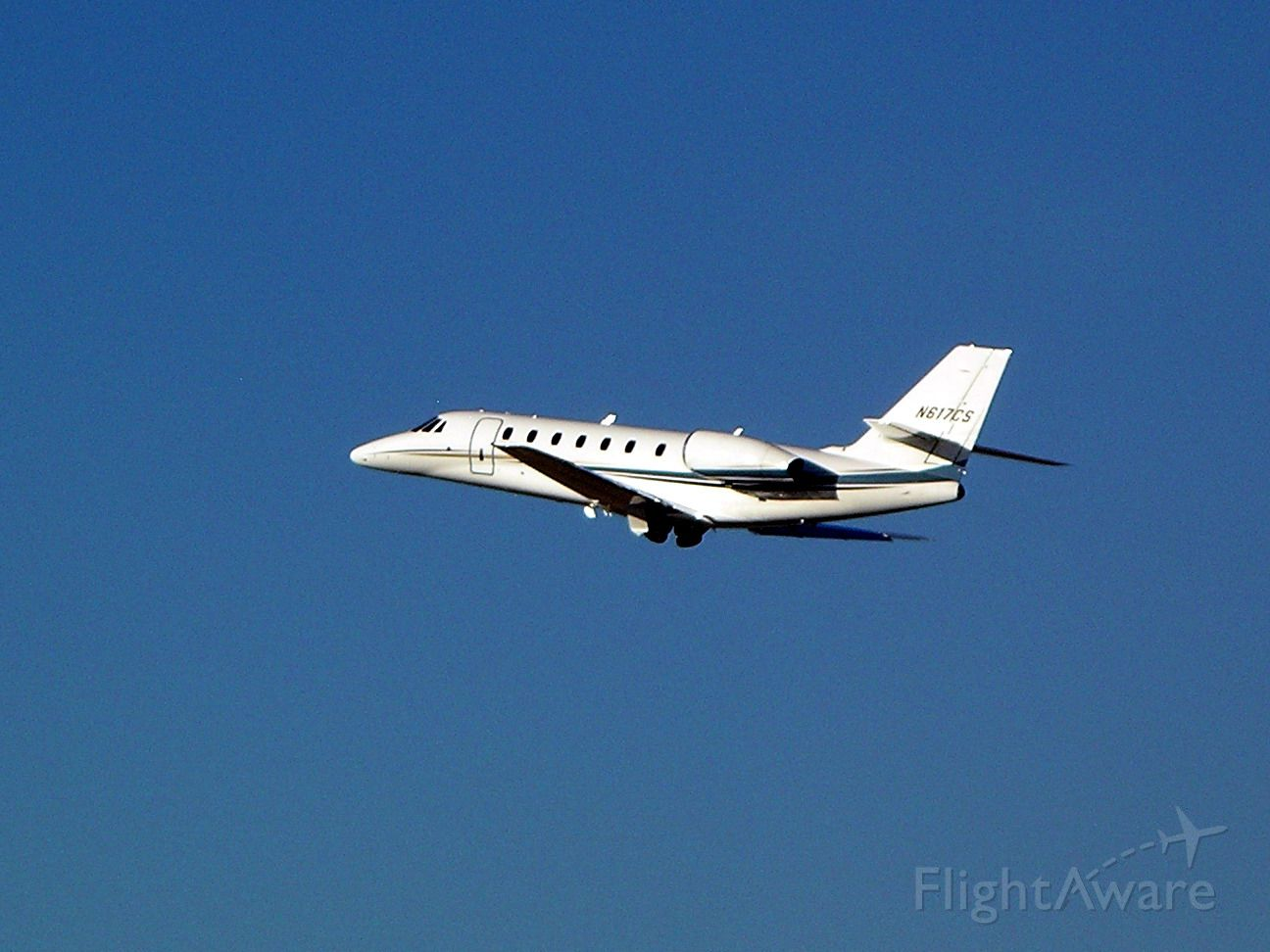 Cessna Citation Sovereign (N617CS) - Positive rate, gear up.  Gear coming up...