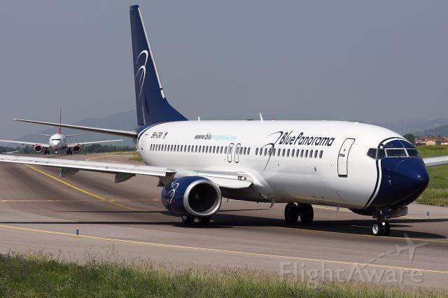 Boeing 737-700 (9H-CRI)