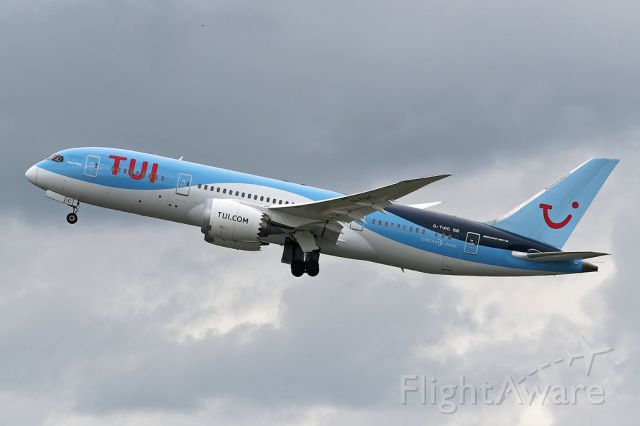 Boeing 787-8 (G-TUIC) - TOM116 off on the long haul to Puerto Plata