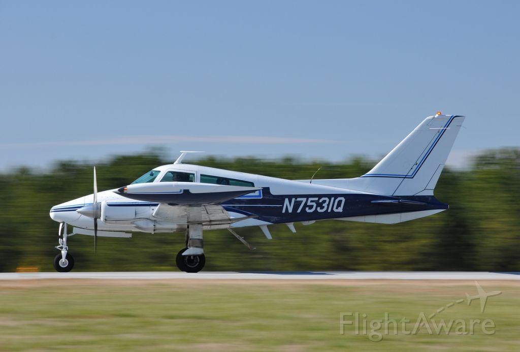 Cessna 310 (N7531Q)