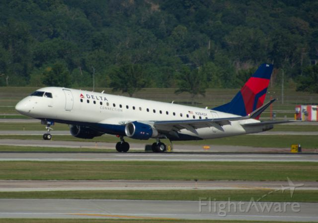 Embraer 170/175 (N284SY) - Delta (SkyWest) 3729 smokes a double beacon landing from Salt Lake City at 5:04 PM.  Image taken August 6, 2019 with Nikon D3200 at 400mm.