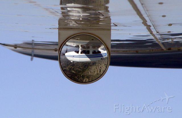 Cessna Centurion (N210JZ) - Gear Mirror.