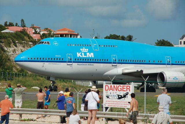 "Boeing 747-400 (PH-BFA) - ""City of Atlanta"" is ready to go home"