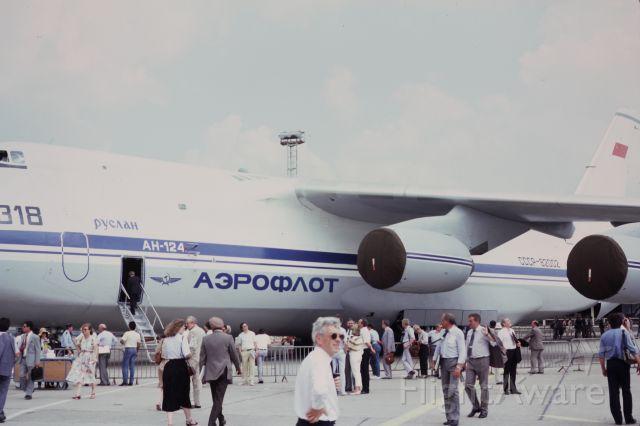 CCCP82002 — - Paris Air show, 1985