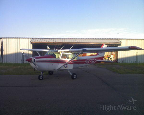 Cessna Skyhawk (N97163)