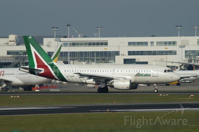 Airbus A319 (EI-IMF)