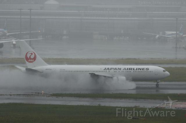 BOEING 767-300 (JA603J) - 11 October 2015: