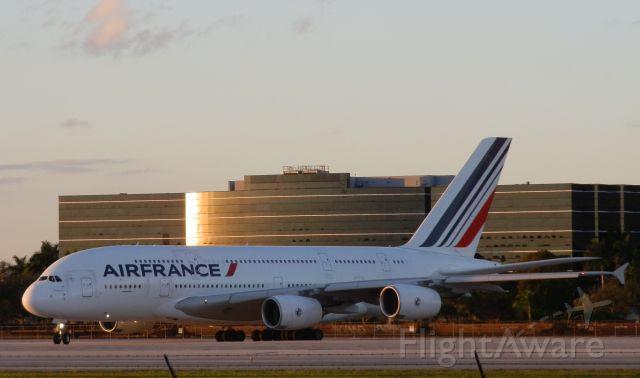 Airbus A380-800 (F-HPJJ)