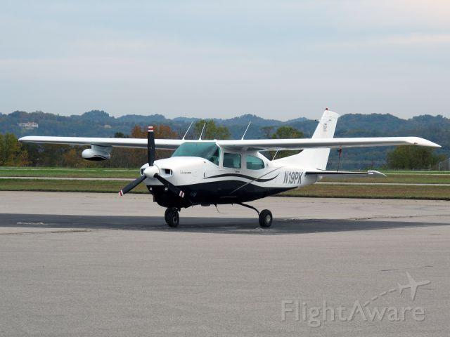 Cessna Centurion (N19PK) - A very nice two ten.