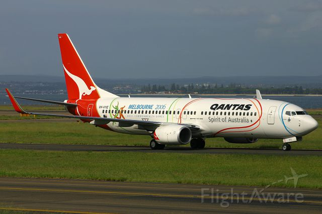 Boeing 737-800 (VH-VYE) - FROM MY 2006 ARCHIVES