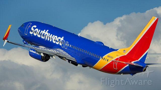 Boeing 737-800 (N8509U) - Departing 4.