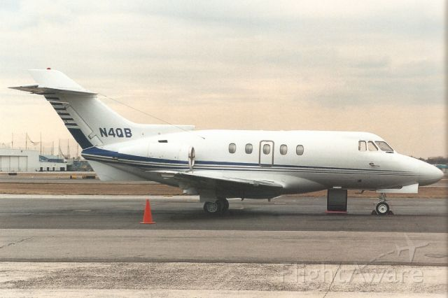 Hawker Siddeley HS-125-400 (N4QB) - Parked on the Long Island Jet Center ramp in Mar-06.br /br /Registration cancelled 18-Jul-17 as expired.br /Broken up at KASH.