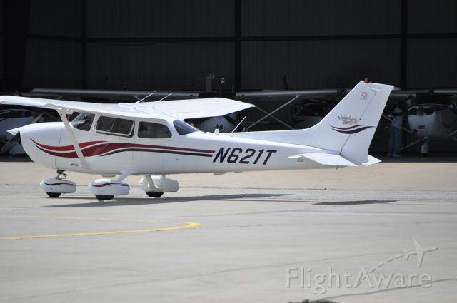 Cessna Skyhawk (N621T)
