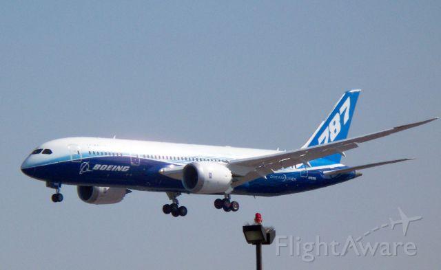 Boeing 787-8 (N787BX)