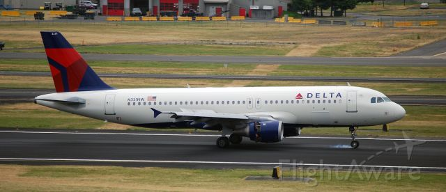 Airbus A320 (N331NW)