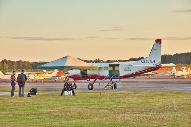 Cessna Caravan (N694DA) - Caravan waiting for a load.