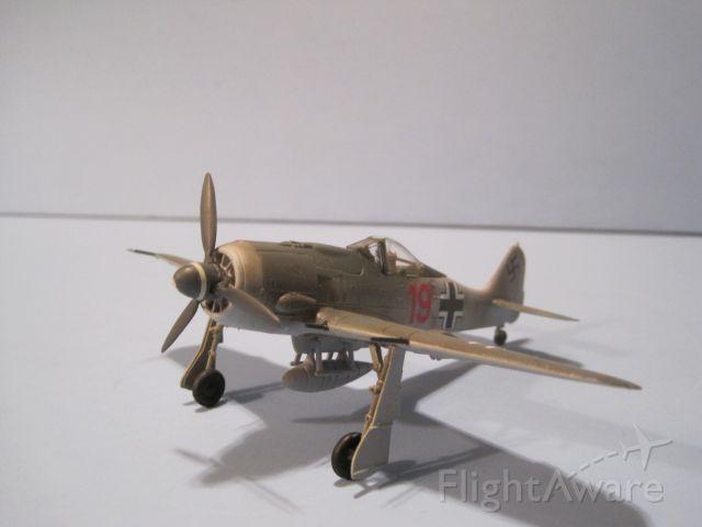 — — - Focke-Wulf 190A-8