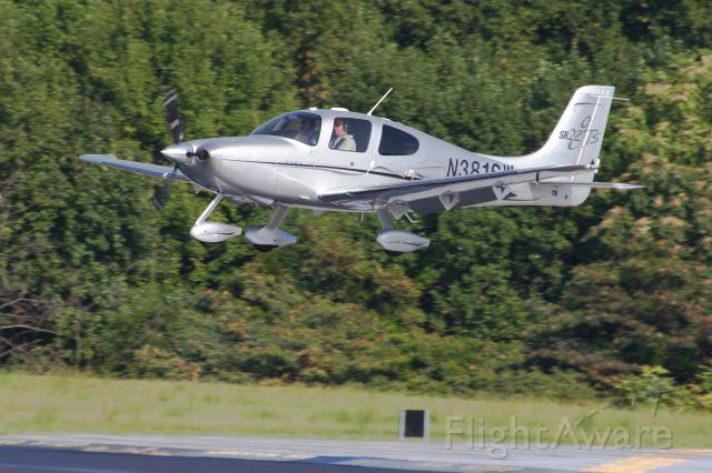 Cirrus SR-22 (N381SW)