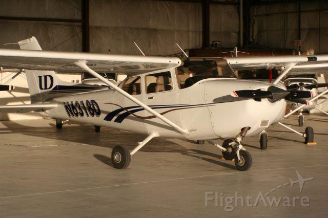 Cessna Skyhawk (N6318D)