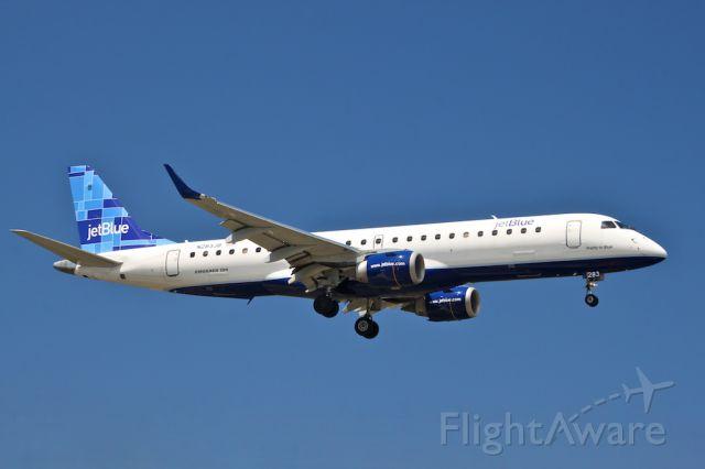 Embraer ERJ-190 (N283JB)