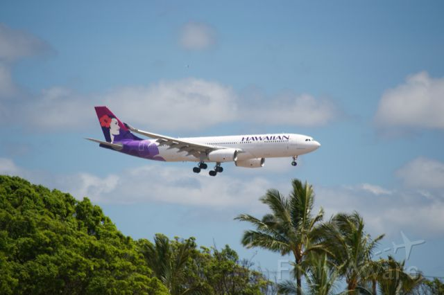 Airbus A330-200 — - Hawaiian Airbus A330-200 landing in paradise.