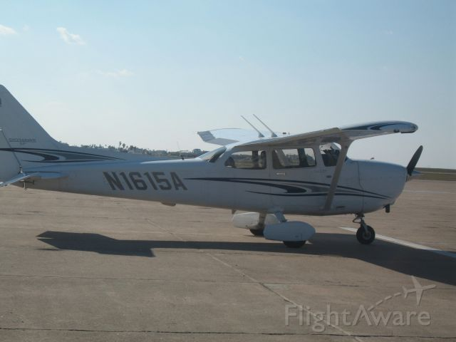 Cessna Skyhawk (N1615A)