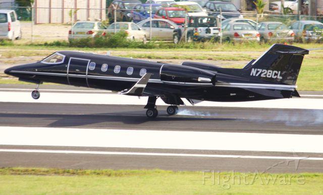 Learjet 31 (N728CL)