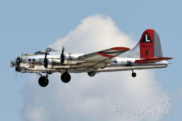 Boeing B-17 Flying Fortress (N48583)
