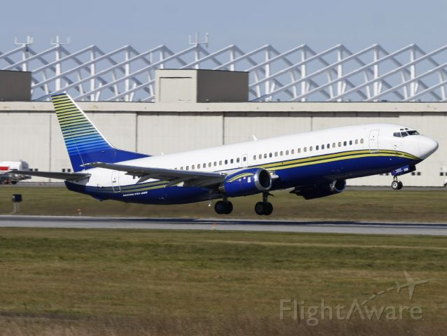 BOEING 737-400 (N752MA) - BSK395 taking the Tampa Bay Lightning to Pittburgh after loosing 7-1 to the Senators.