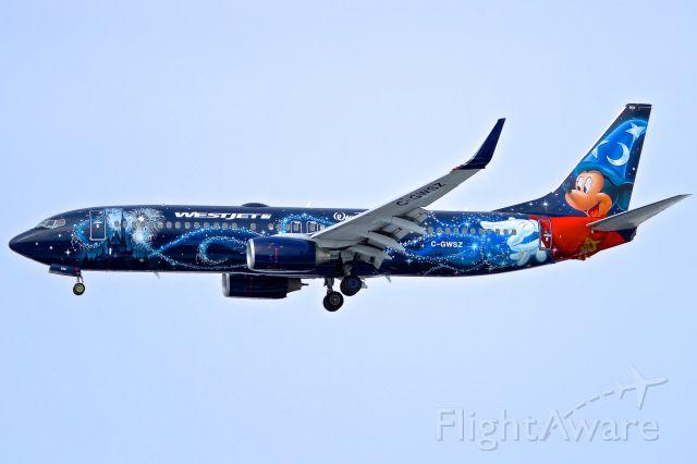Boeing 737-700 (C-GWSZ)