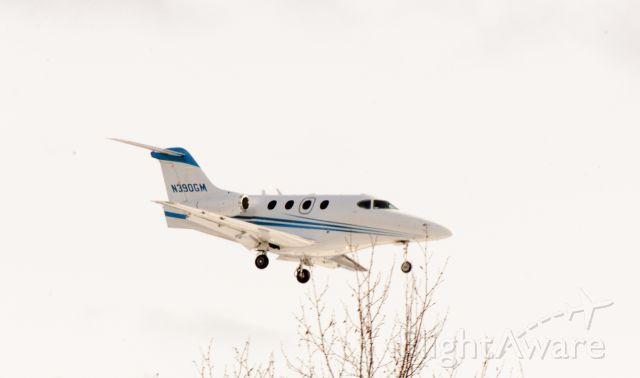 Beechcraft Premier 1 (N390GM) - landing 08