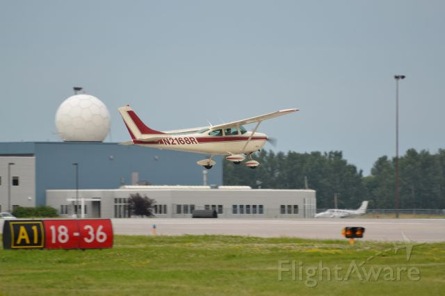 Cessna Skylane (N2168R)