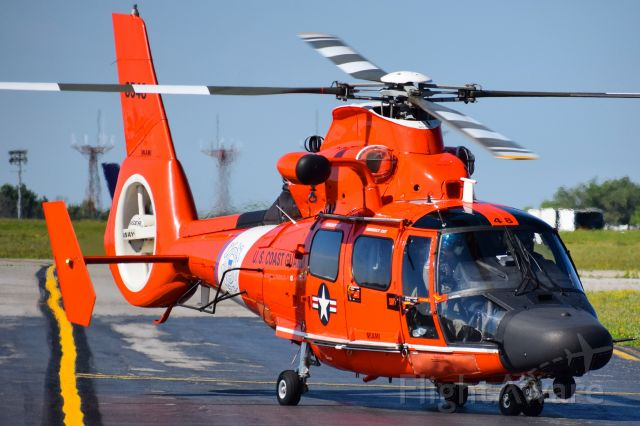 VOUGHT SA-366 Panther 800 (C6548) - United States Coast Guard<br />Eurocopter MH-65D Dolphin<br />Callsign: Helicopter 6548<br />Base: USCGAS Detroit<br /><br />** STAFF PICK OF THE WEEK 06/29/20 **