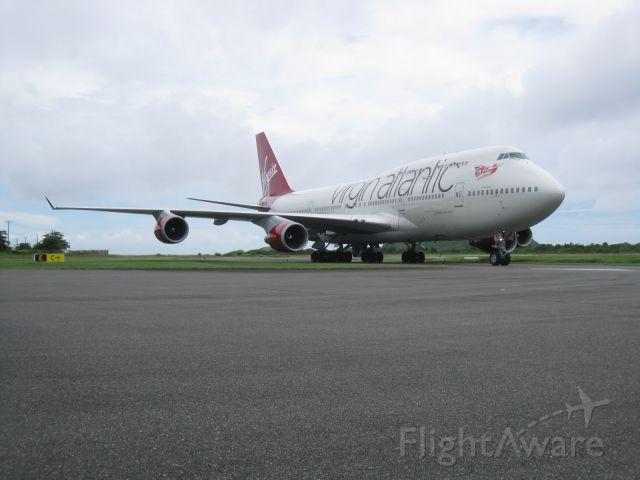 Boeing 747-400 (G-VAST)
