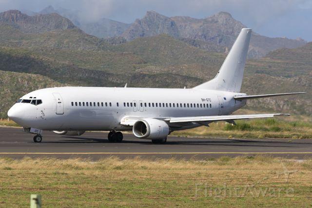 BOEING 737-400 (9H-GTC)