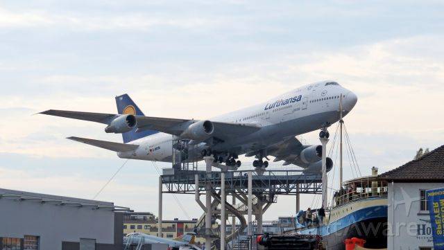 Boeing 747-200 (D-ABYM)