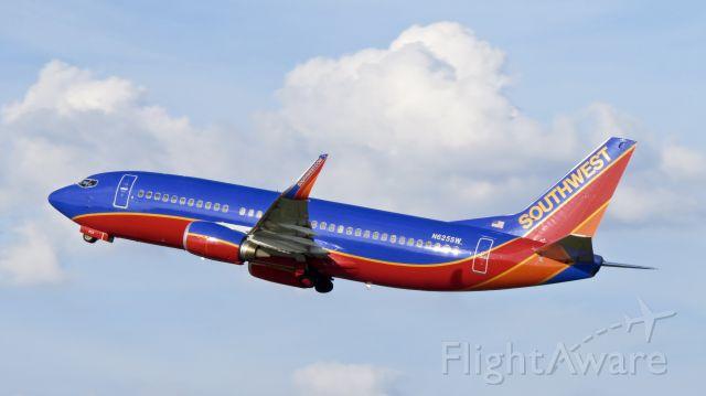 BOEING 737-300 (N625SW)