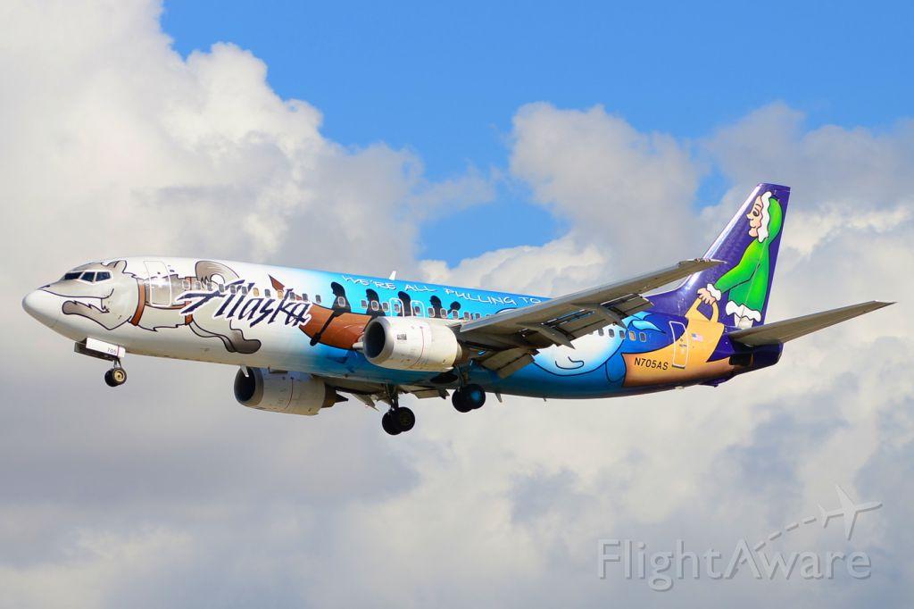 BOEING 737-400 (N705AS)