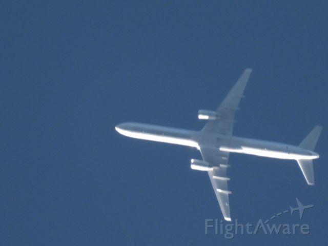 BOEING 757-300 (N75853) - UAL414