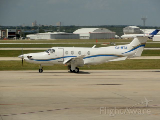 Pilatus PC-12 (XA-MTA)