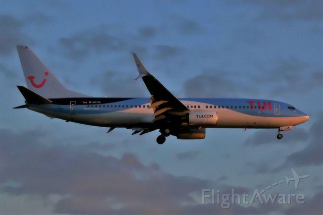 Boeing 737-800 (D-ATUA)