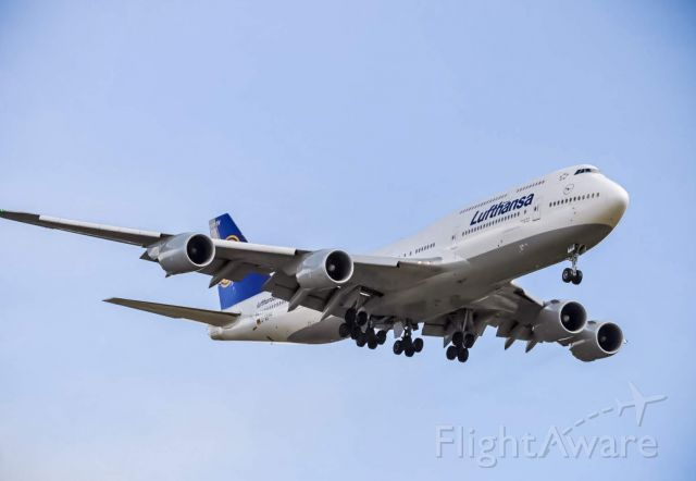 BOEING 747-8 (D-ABYH) - Lufthansa 442 moments from landing at DTW, with a 747-8 instead of the normal 747-400.