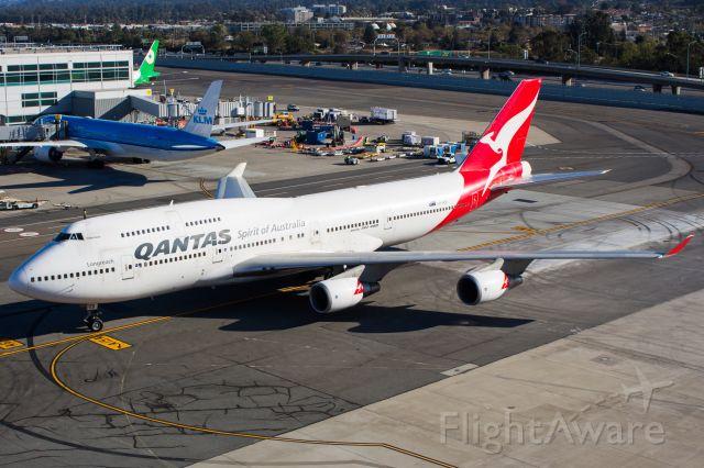 Boeing 747-400 (VH-OEB)