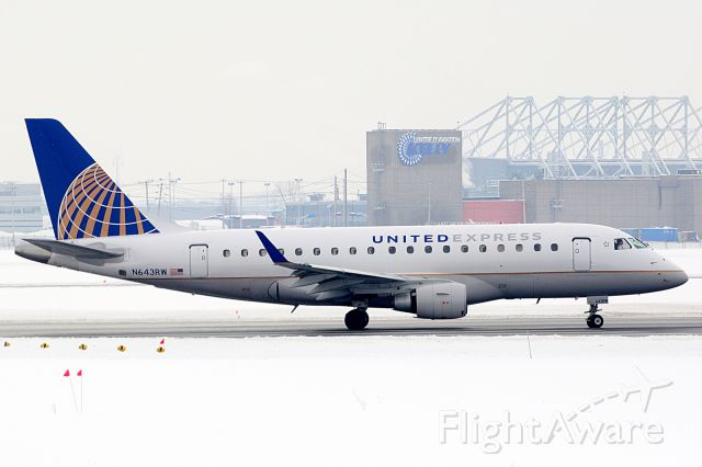 Embraer 170/175 (N643RW) - Turning on to Rwy 24R for a flight to Chicago OHare.