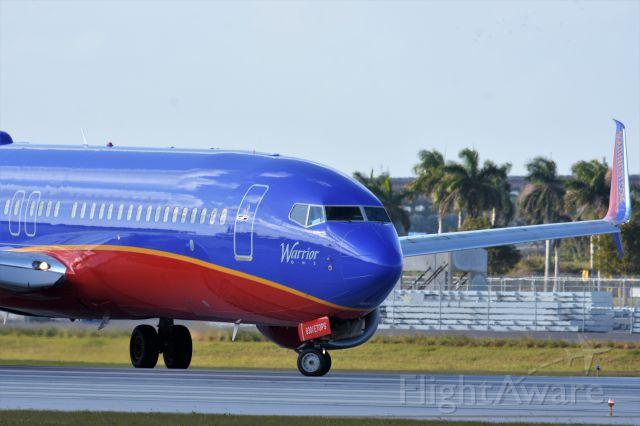 Boeing 737-700 (N830IJ)