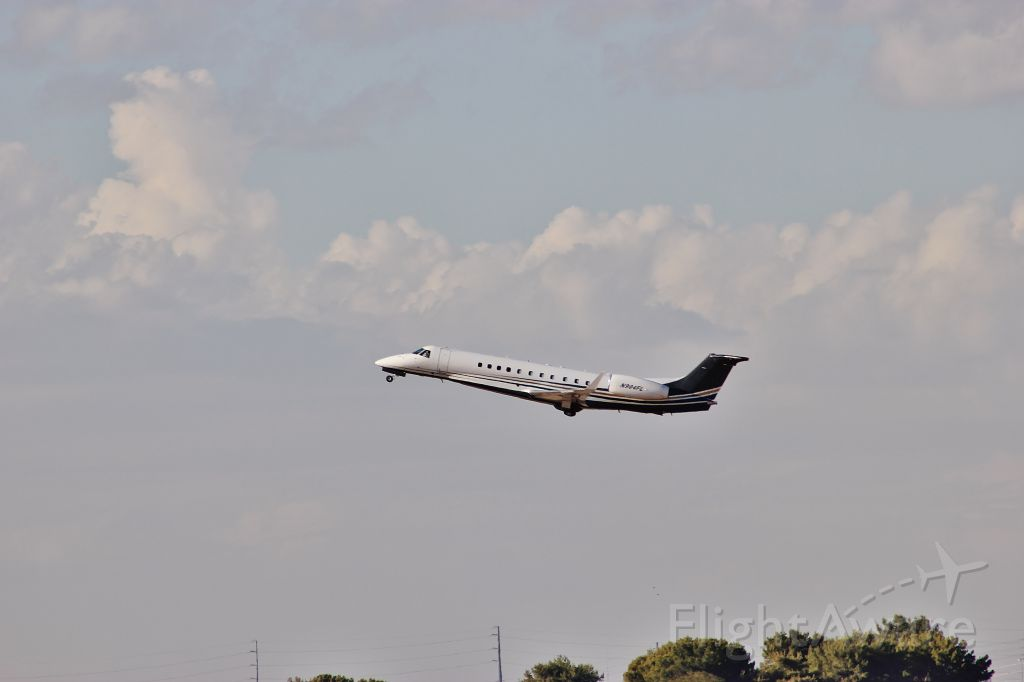 Embraer ERJ-135 (N904FL) - This is a pretty large jet for Chandler.
