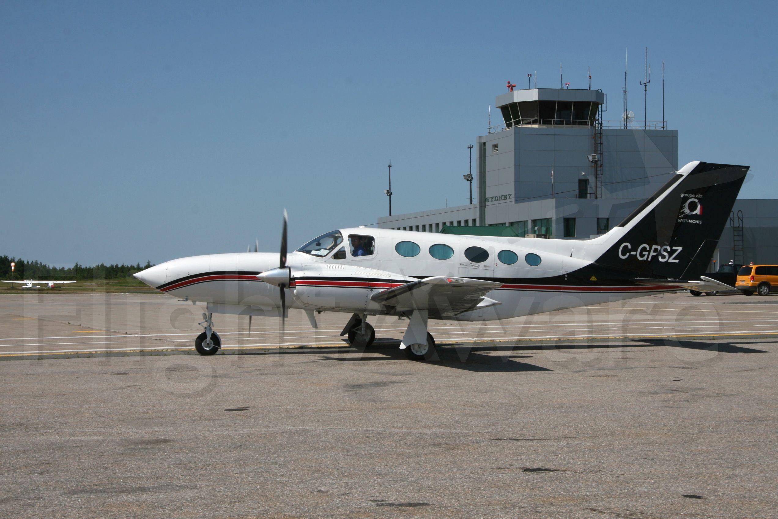 Cessna 421 (C-GPSZ)
