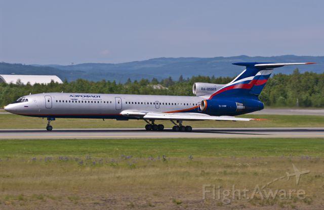 Tupolev Tu-154 (RNA85669)